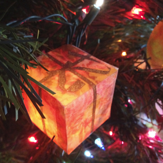photo cube light on tree