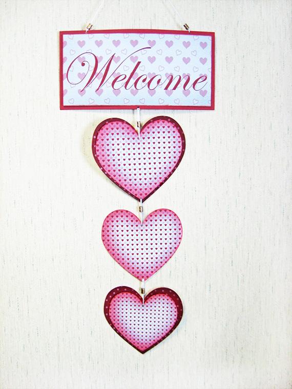 valentine-hanging-hearts