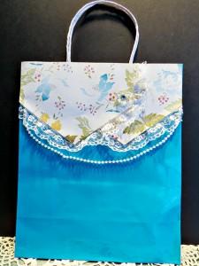 feminine bag bib